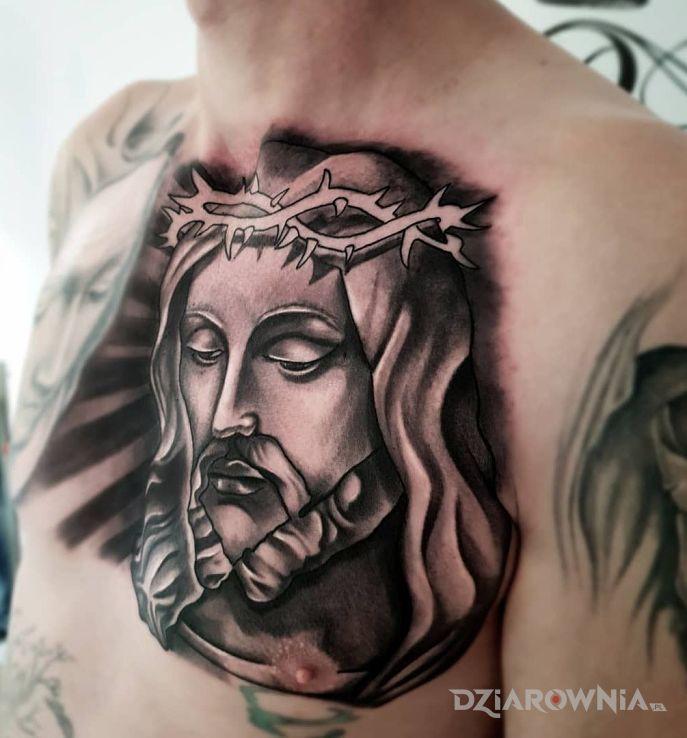 Tatuaż chrystus w cierniach - twarze