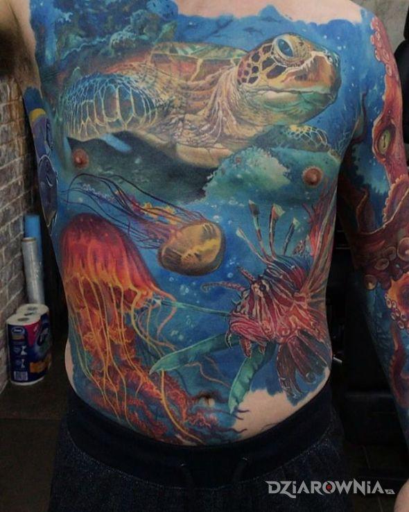 Tatuaż życie podwodne - realistyczne