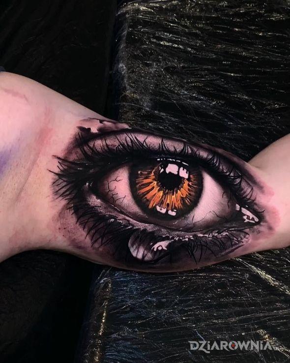 Tatuaż mega oko - kolorowe