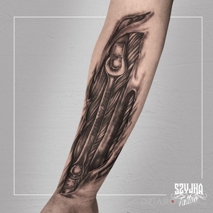 Tatuaż trochę inna biomechanika - anatomiczne