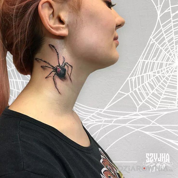 Tatuaż Czarna Wdowa Autor Szyjka Tattoo Dziarowniapl