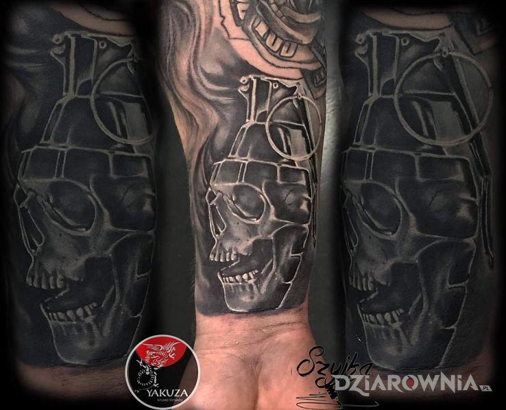 Tatuaż granat - demony