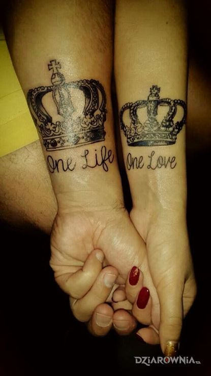 Tatuaż Korony I Napis Autor Papek Dziarowniapl