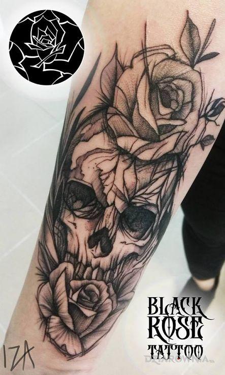 Tatuaż czacha z kwiatami - czaszki