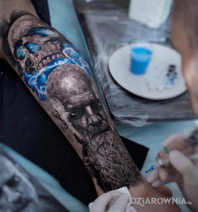Tatuaż fascynujący portret - czaszki