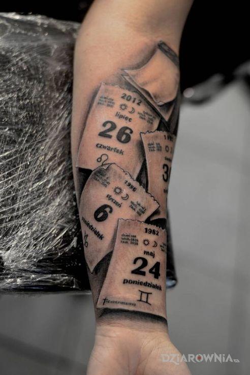 Tatuaż Kartki Z Kalendarza Autor Zaga Dziarowniapl
