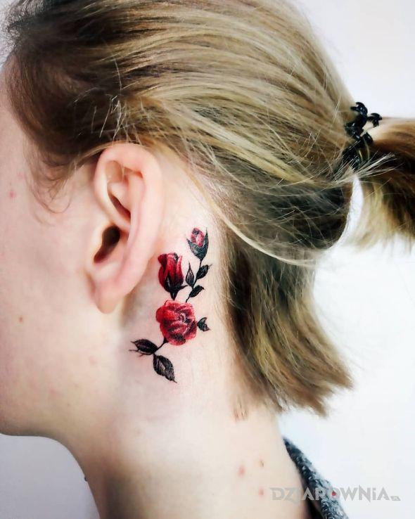 Tatuaż różyczki - kwiaty