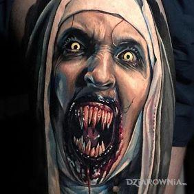 Zęby piekielnej zakonnicy