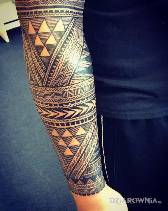 Tatuaż trojkaty polinezji - polinezyjskie
