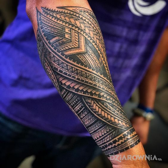 Tatuaż polinezyjska przeplatanka - polinezyjskie
