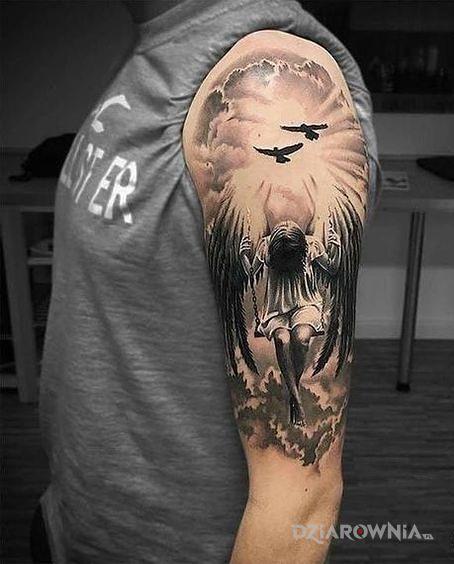 Tatuaż anioł na huśtawce - anioły