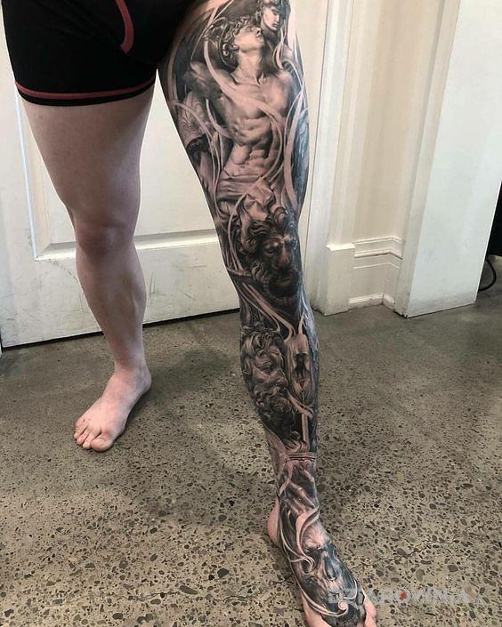 Tatuaż rękaw na nodze - zwierzęta