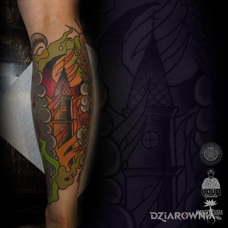 Tatuaż Płonący Kościół Autor Mandragora Tattoo
