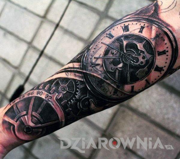 Tatuaż zegar i koła zębate