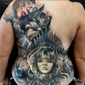 Kobieta, wilk, lew, czaszka