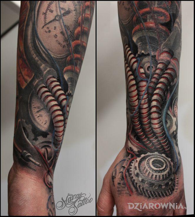 Tatuaż biomechhanika - kolorowe