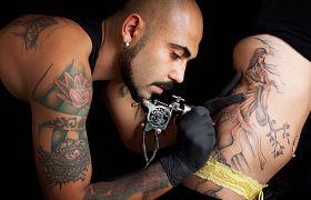 Dlaczego ludzie robią sobie tatuaże