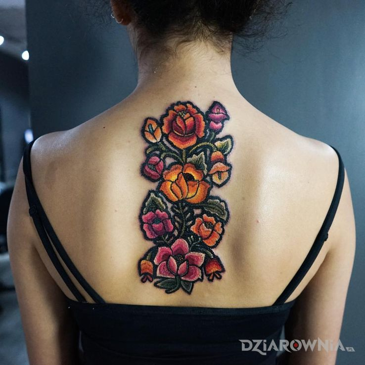 Tatuaż kwiatki piękne haftowane - haftowane