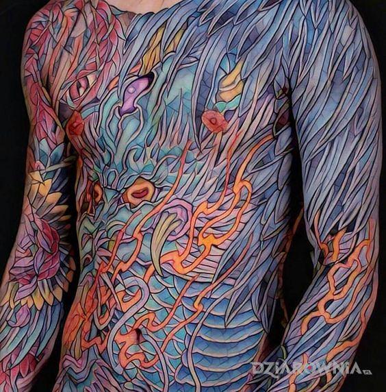Tatuaż kolorowo na maksa - kolorowe