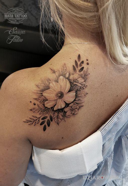 Tatuaż kwiaty studio haza tattoo - kwiaty