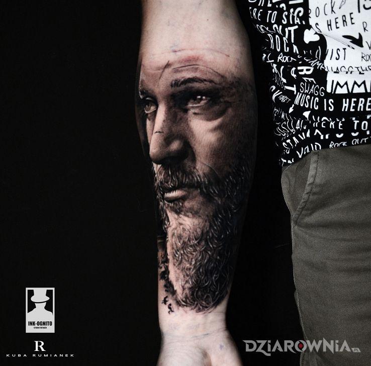 Tatuaż ragnar - sławnych osób