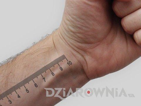 Tatuaż linijka