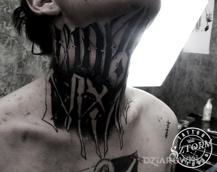 Tatuaż  dla odważnych - napisy