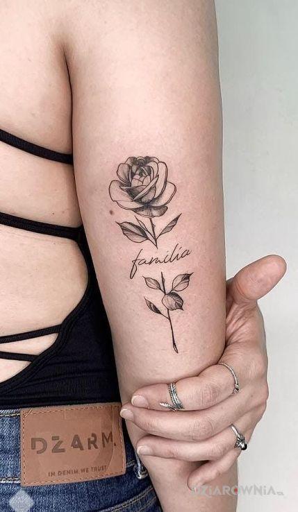 Tatuaż familia - kwiaty