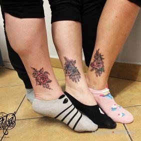 Kwiatki w trójkątach