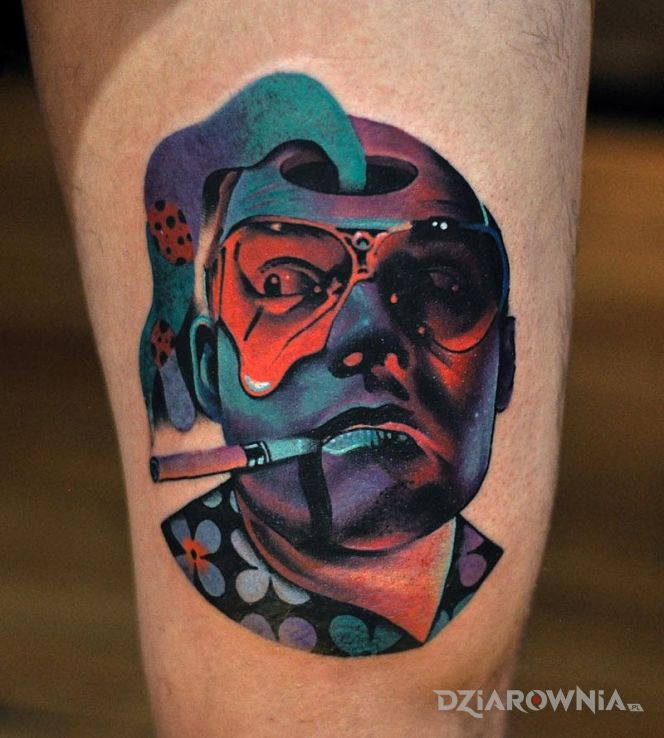 Tatuaż las vegas parano w motywie postacie na nodze
