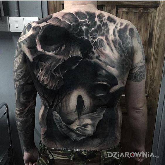 Tatuaż mocarny tatuaż na plecach - czaszki