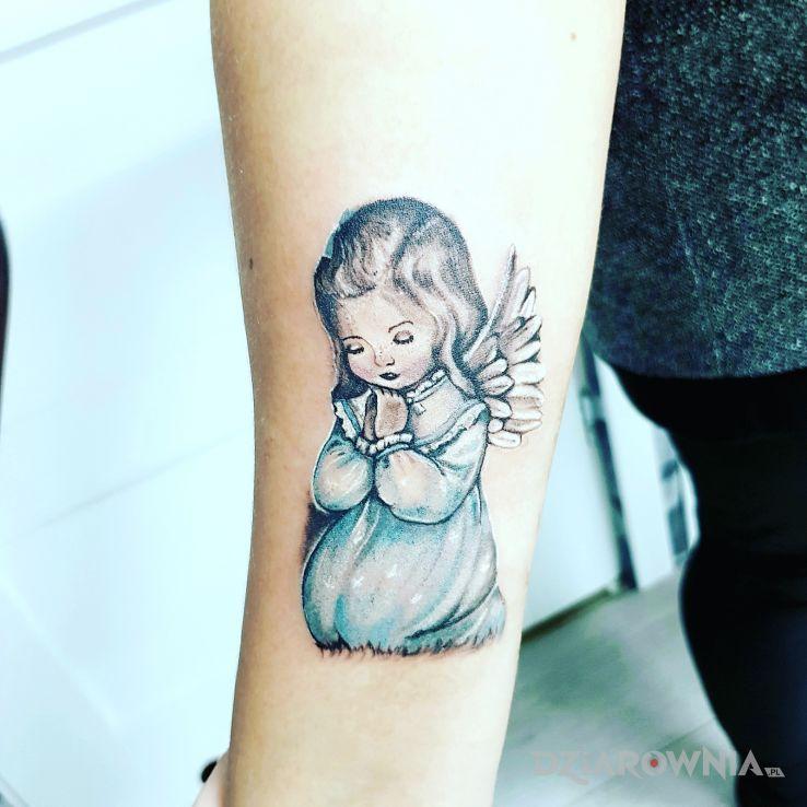 Tatuaż aniołek | Autor: Justyna - dziarownia.pl