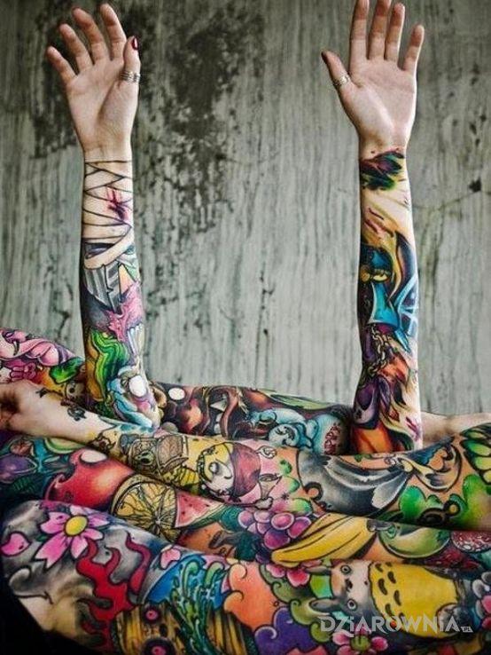 Tatuaż kolorowe tatuaże w motywie rękawy na przedramieniu