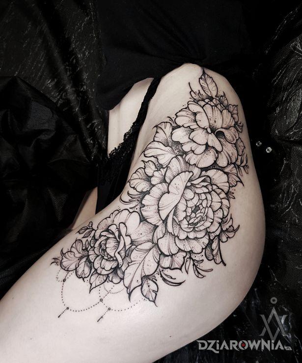 Tatuaż współczesny kobiecy klasyk - czarno-szare