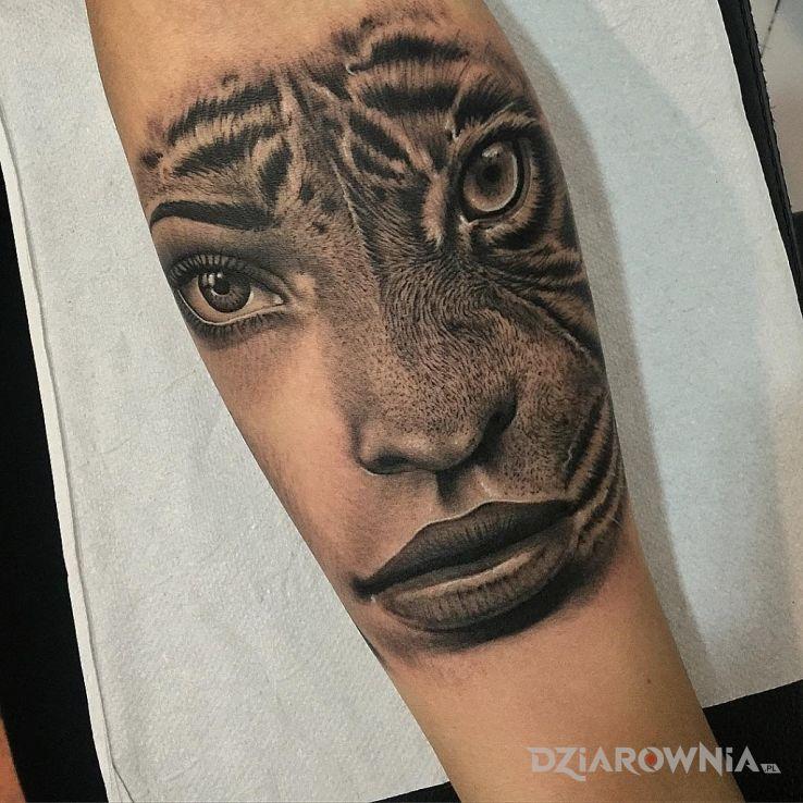 Tatuaż pół kobieta pół kot - postacie