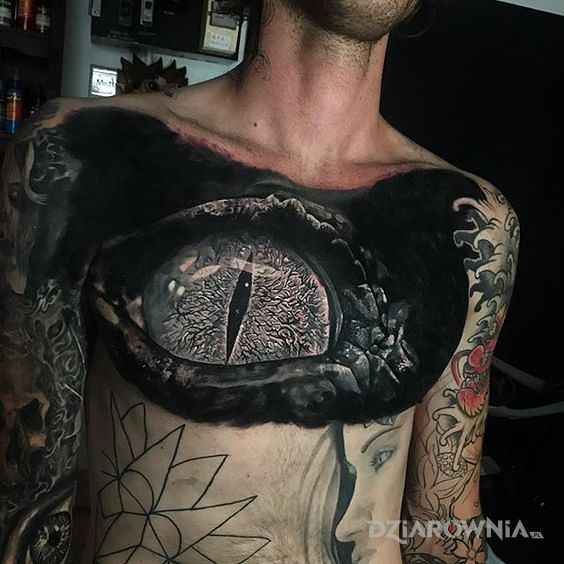 Tatuaż gadzie oko - smoki