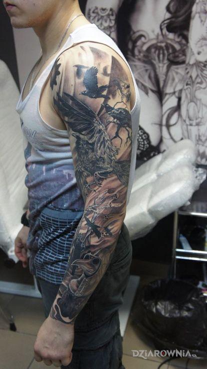 Tatuaż plague doctor - rękawy