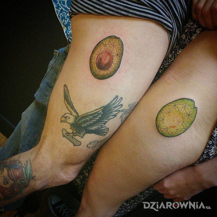 Tatuaż nożne awokado - kolorowe