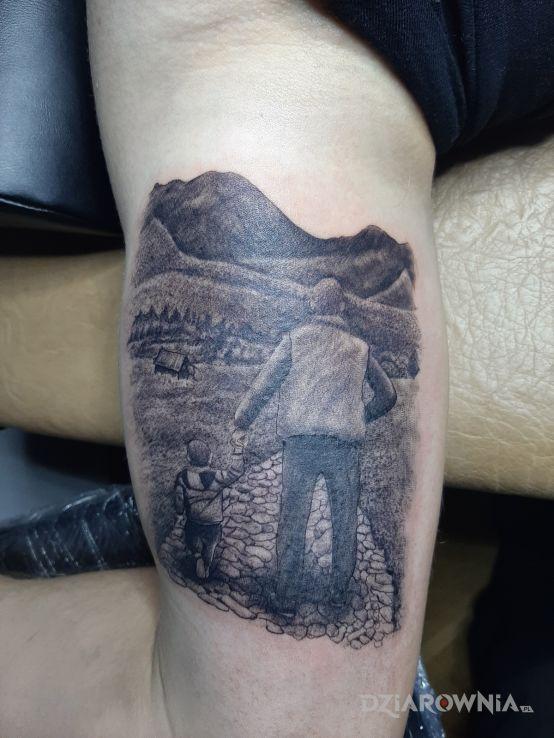 Tatuaż spacer hala gasienicową - postacie