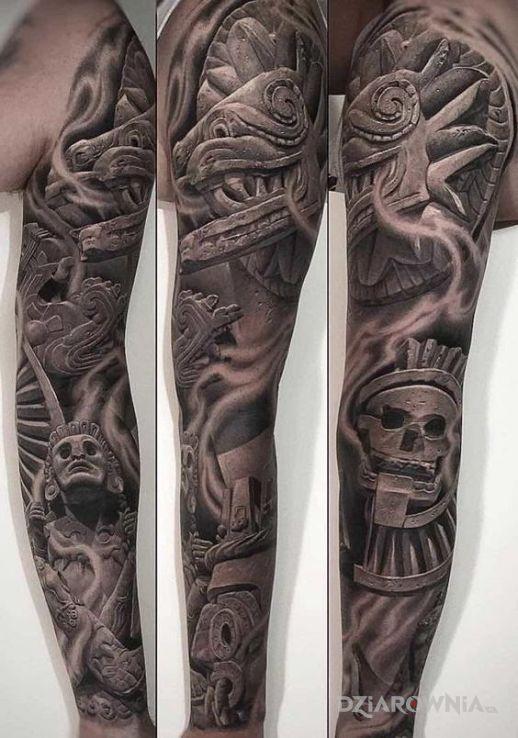 Tatuaż azteckie bóstwo - czarno-szare
