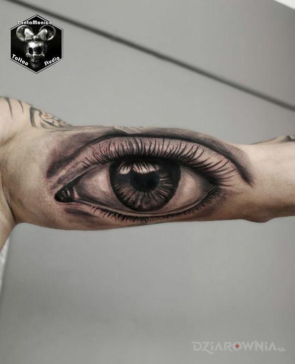 Tatuaż oko - anatomiczne