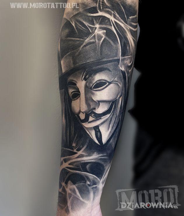 Tatuaż wygojony v for vendetta - czarno-szare