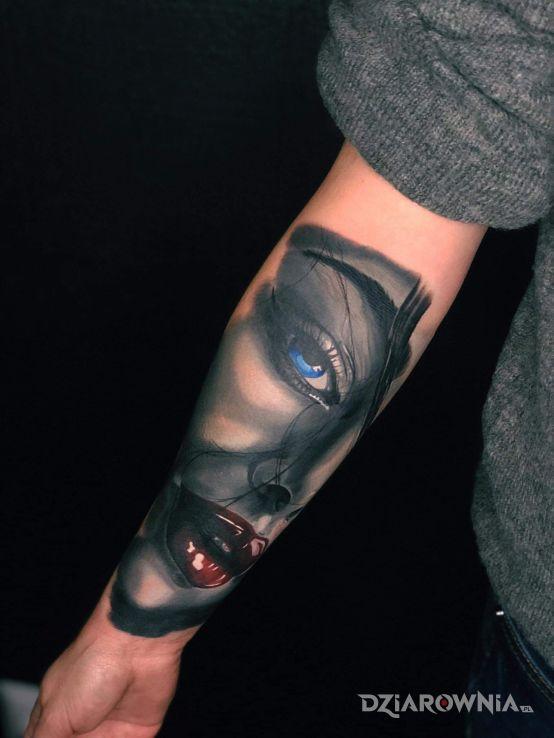Tatuaż usta - twarze