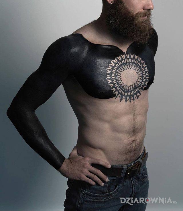 Tatuaż czarno to widzę - rękawy