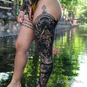 Ładna noga :)