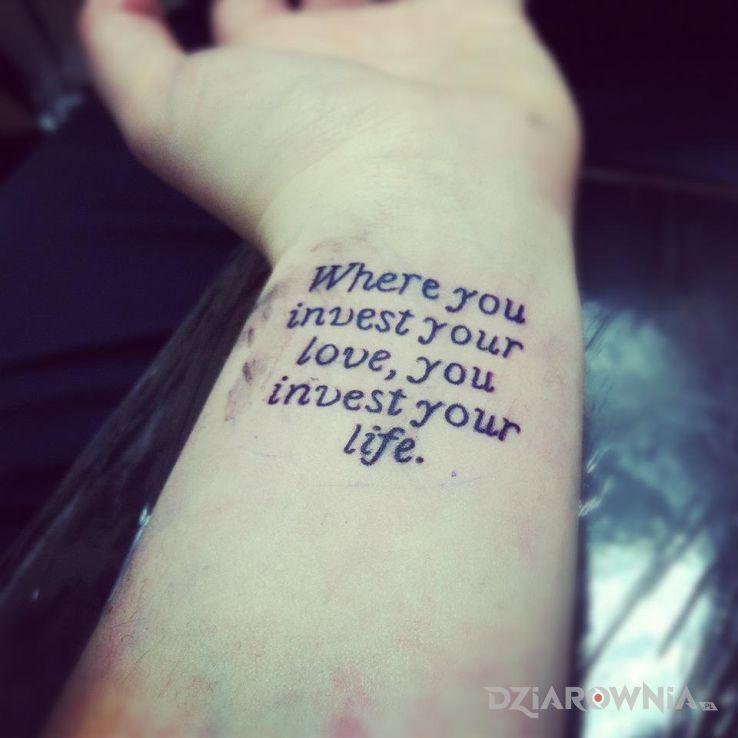 Tatuaż dobra inwestycja - napisy