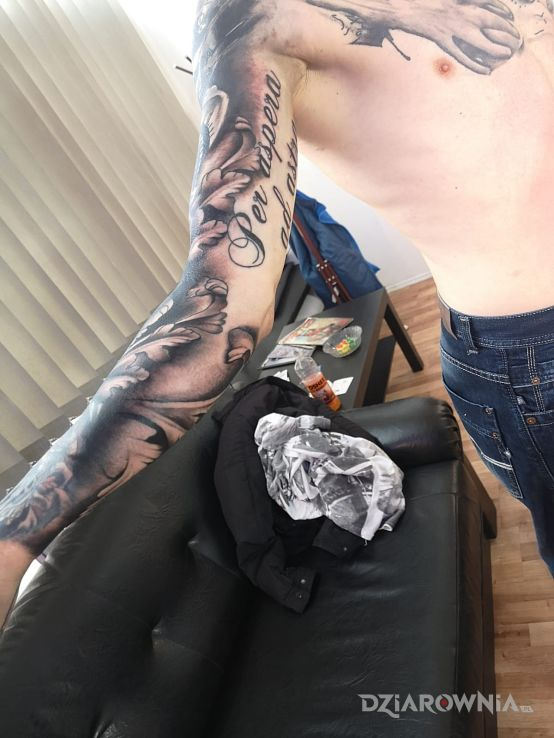 Tatuaż hmm - czarno-szare