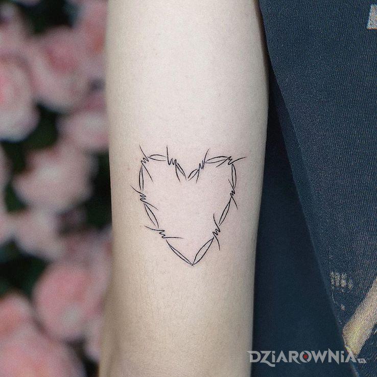 Tatuaż druciate serce - pozostałe