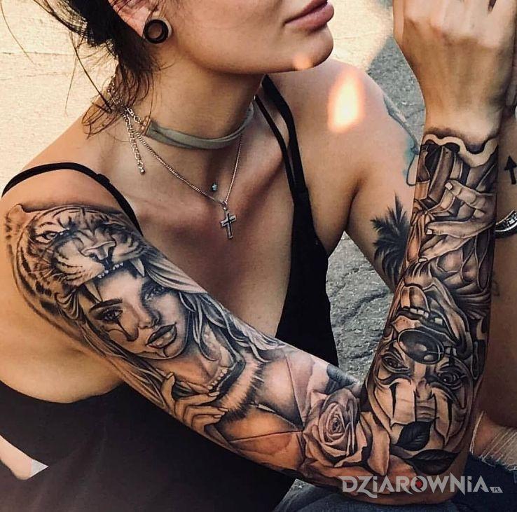 Tatuaż klauny w natarciu - rękawy