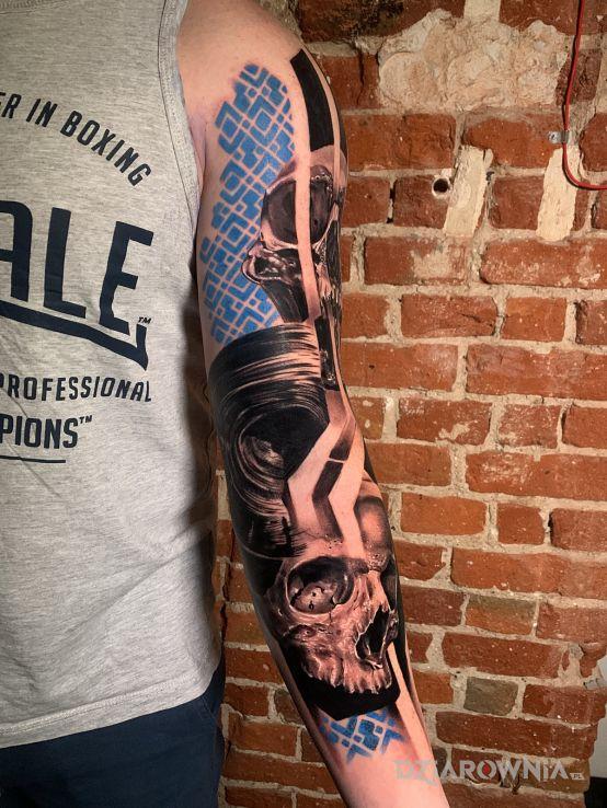 Tatuaż odnowienie - rękawy